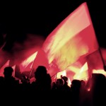 ''Ojczyzny bronię, a bronią mą jedyną- postrzępiona przez wiatr flaga...''
